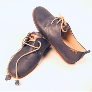 Blue Suede Shoes (Pikolinos)